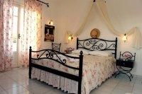 Glaronisia Hotel 9